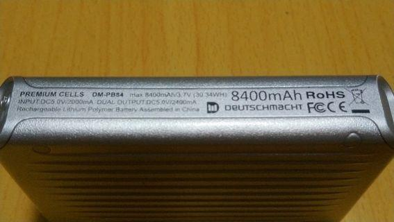 Deutschmacht 8400mAh power bank