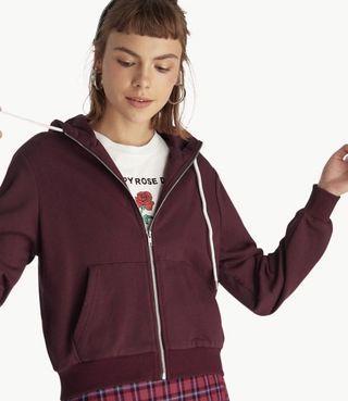 🚚 maroon hoodie
