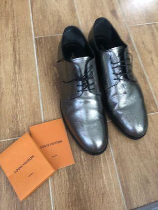 Lv shoes Louis Vuitton #lalamove