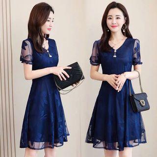 2019 new fashion lace dark blue dress 收腰显瘦A字蕾丝连衣裙