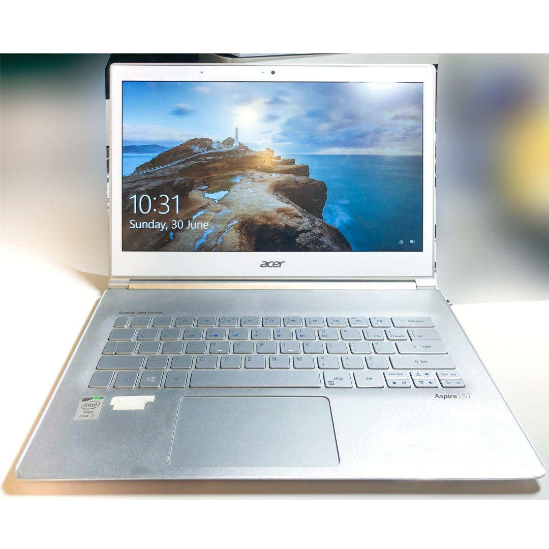 Acer Aspire S7-392 Ultrabook™ (Ultra Thin), i7 Processor, 13 3 inch  Touchscreen + FREE Laptop Bag