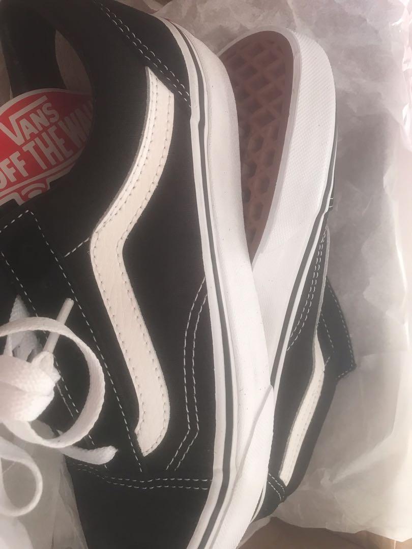 **BRAND NEW** Old Skool Vans - Size 4 UK (size 6 NZ)