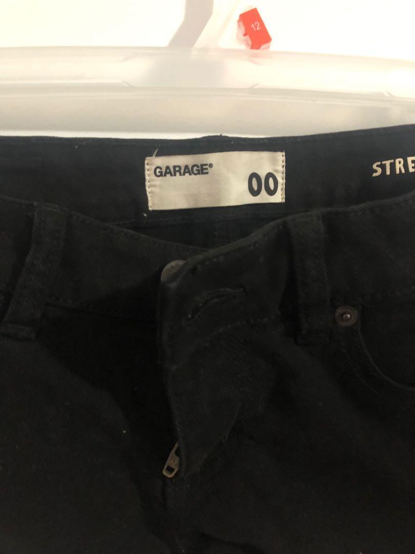Garage size 00 blck low stretch shorts