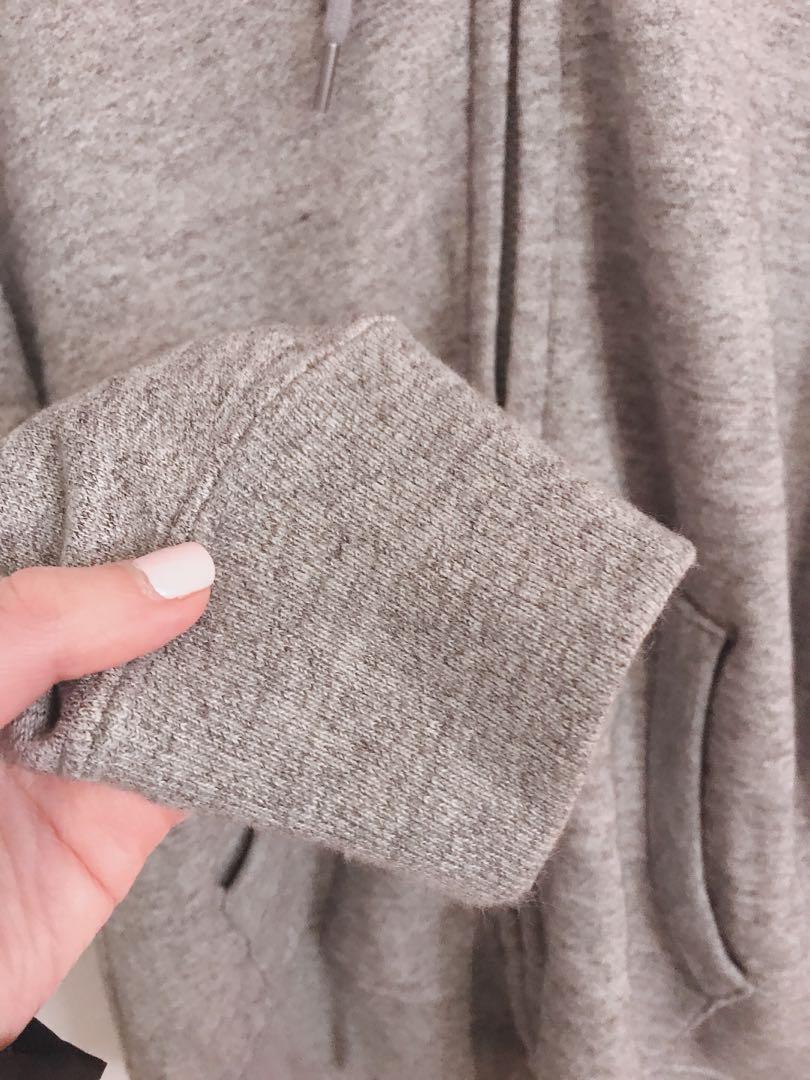 grey sweat hoodie