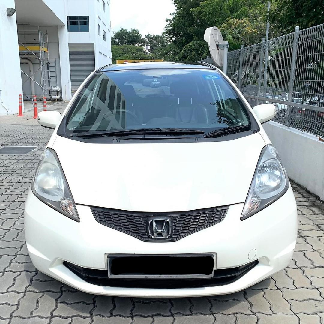 Honda Jazz with moonroof For PHV Grab Go Jek/Personal Use