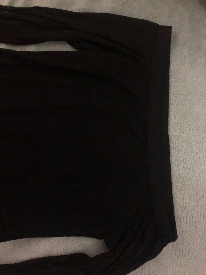 M boutique seven sister size xs-s black top