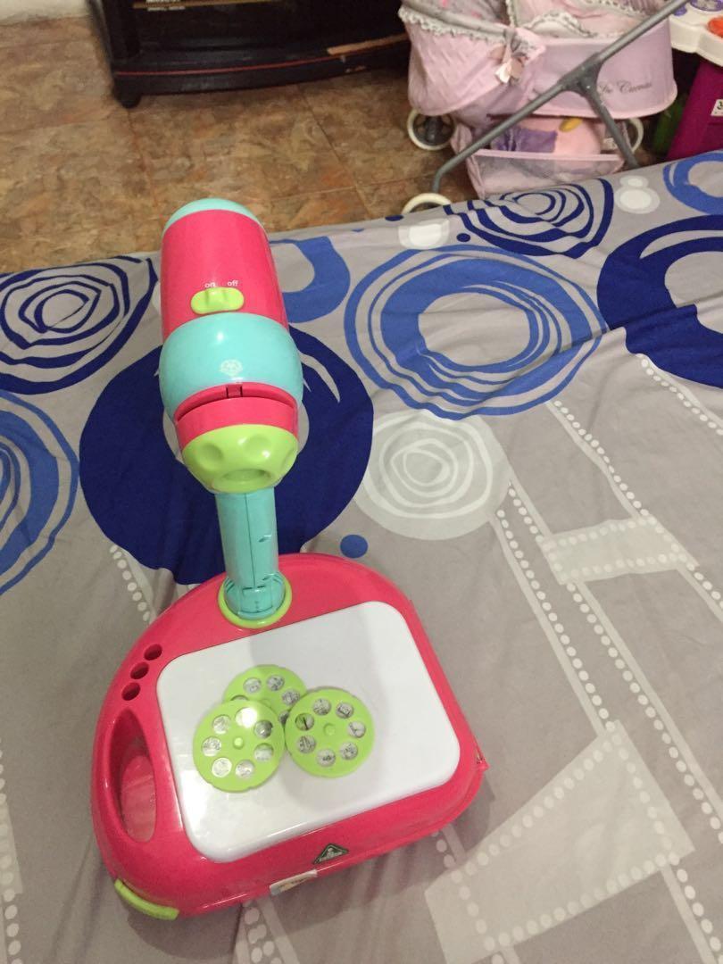 Mainan menggambar ELC