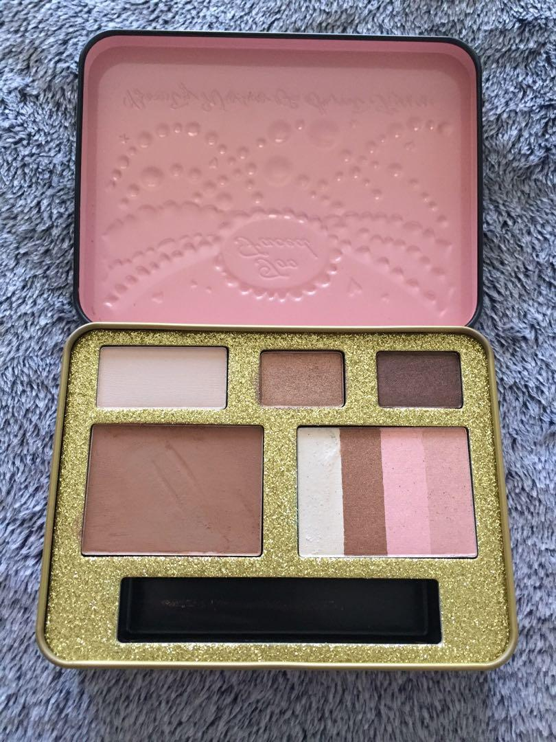Too Faced Beauty Wishes and Sweet Kisses Eyeshadow Chocolate Bar Bronzer Palette