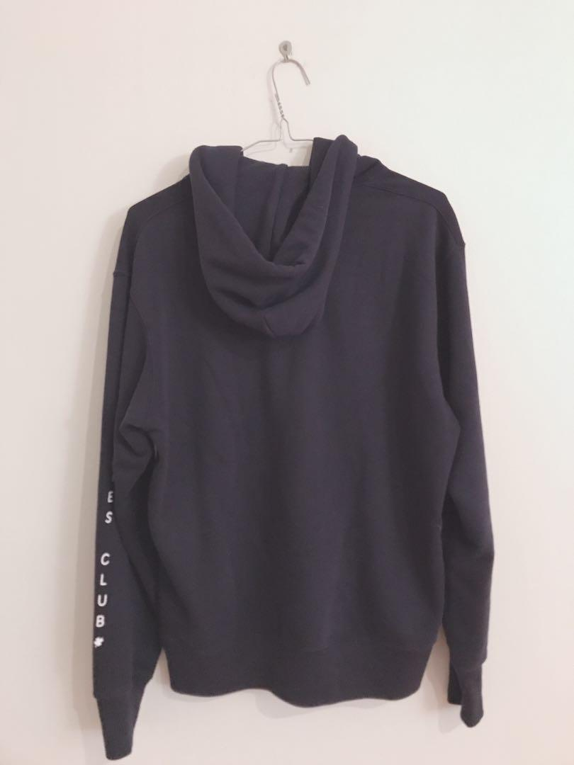 Uniqlo navy hoodie