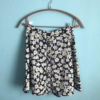 Daisy Skirt with Functional Buttons