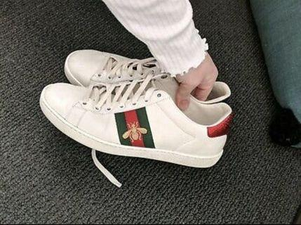 Gucci Bee Runners Sneakers