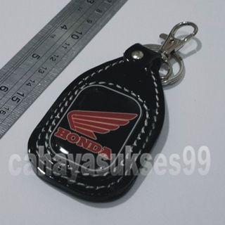 Gantungan Kunci HONDA Gantungan Kunci Motor Logo Sayap Honda Merah warna Dasar Hitam Variasi Aksesoris Souvenir Auto Accessories