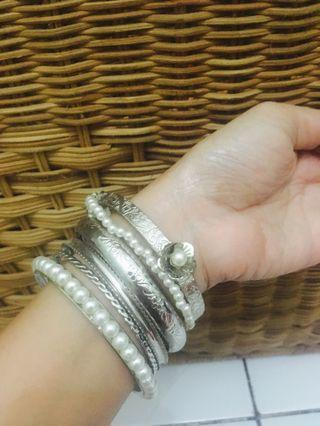 Gelang kronceng pearl silver
