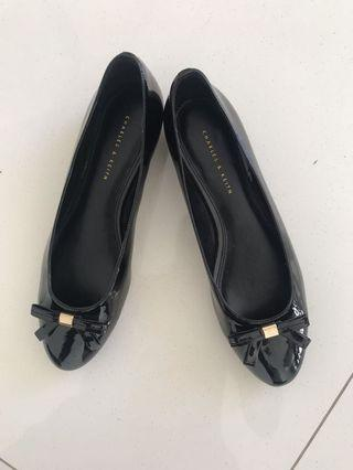 Charles and Keith ballet flats sz 39