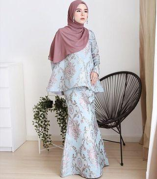 Hijabistahub royale kurung size M