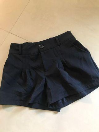 🚚 深藍西裝短褲