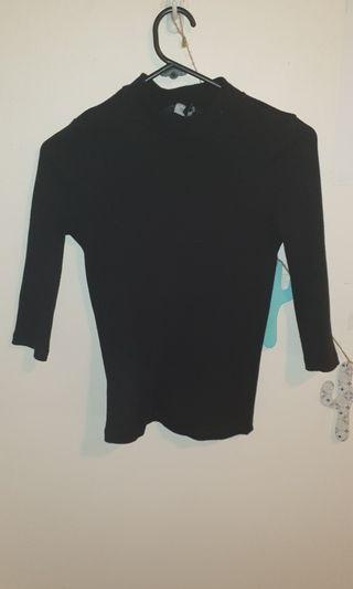 Black 3/4 sleeved top