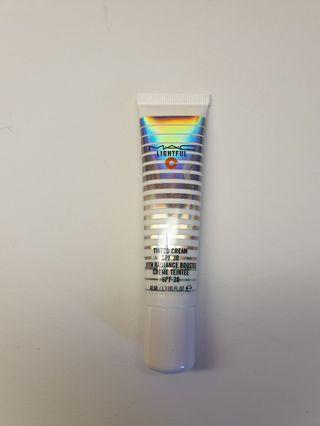 MAC Lightful C Tinted Cream
