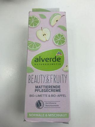 Alverde有機青檸青蘋果果酸控油水嫩保濕面霜