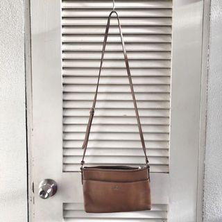 [SELL] COACH LEATHER SLING BAG