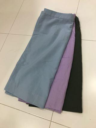 A Lined skirt for office wear