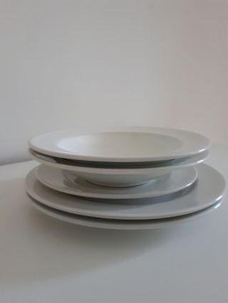 Ikea White plate set (5 pieces)