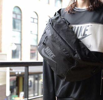 🚚 Nike black sling bag
