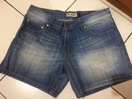 Nevada jeans celana pendek