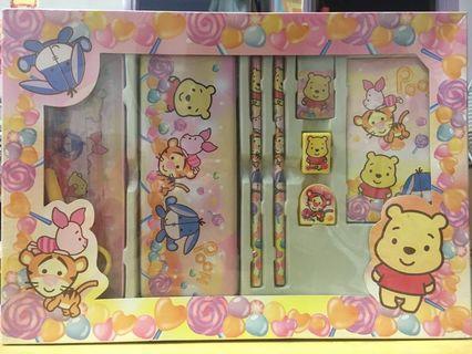 原裝Winnie the Pooh 文具套裝🐻