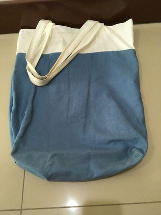 🚚 Moving Sale: Plain Tote Bag