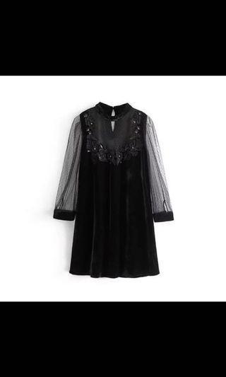 黑色絨布刺繡洋裝