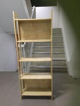 🚚 Shelves