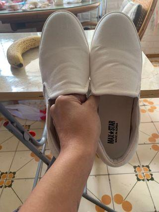MAX休闲鞋