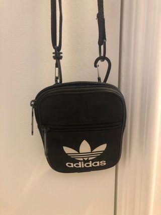 Adidas 斜咩袋