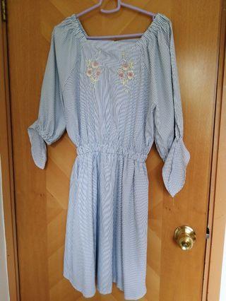Strip shoulder Dress