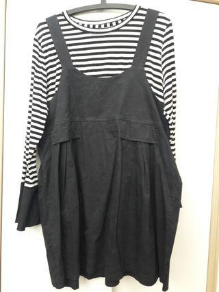 2 in 1 Black and White Dress Piece with flared cuffs Size L