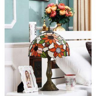 European Sun Flower Stained Glass Table Lamp, 歐洲彩繪太陽花玻璃枱燈