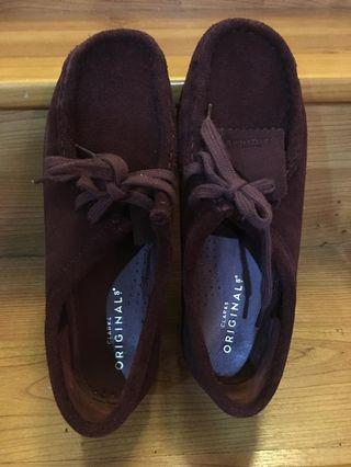 Clarks original women wallabee