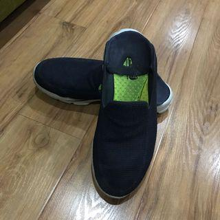 Navy shoes convertible