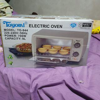 Toyomi Toaster Oven 9.0L
