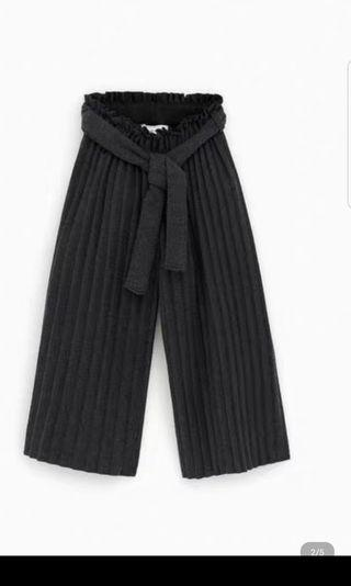 Free postage: BNWT Zara knitted pleated cullote