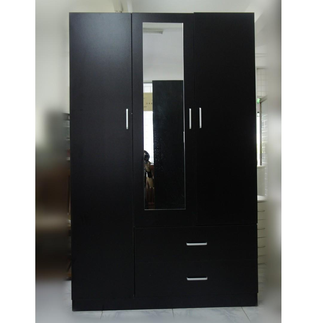 3 Door 2 Drawer Wardrobe (FREE delivery to 12km area)!!