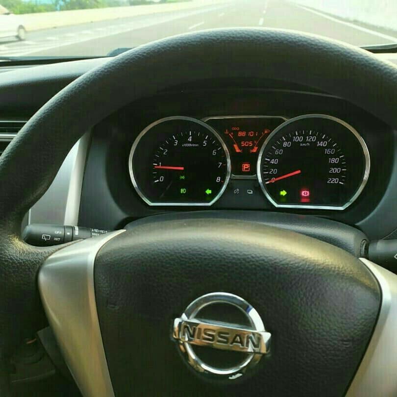Allnew Nissan Grand Livina 1.5XV 2013AT..Fresh Condition