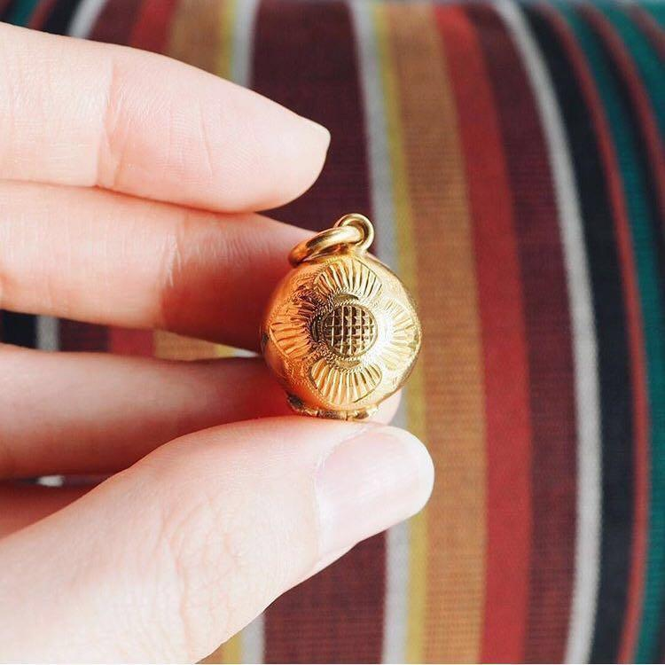 CONTAINER GOLD LOCKET