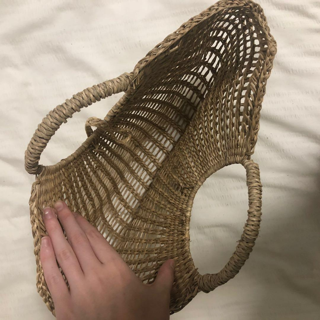 *REDUCED* VINTAGE WOVEN WICKER HAND BAG