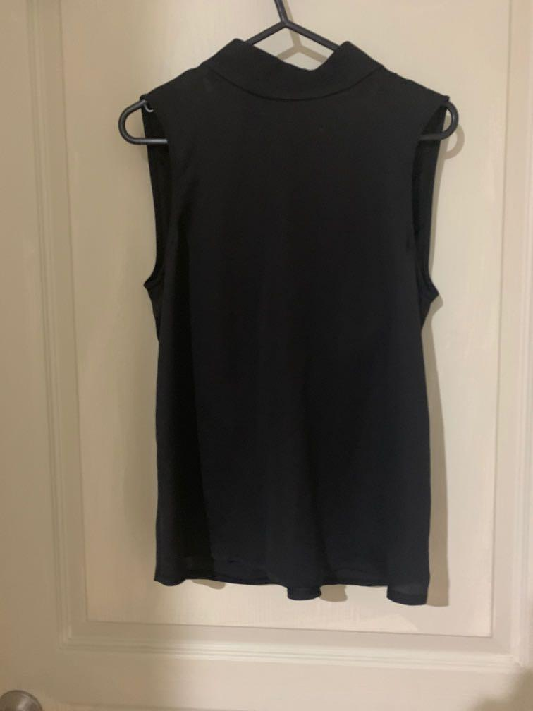 Sheike backless top