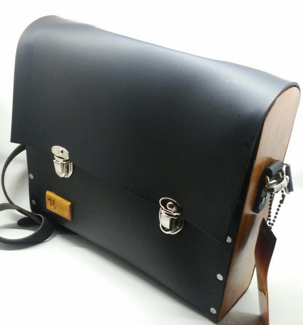 Sling Bag / Tas Selempang Kulit Kombinasi Kayu