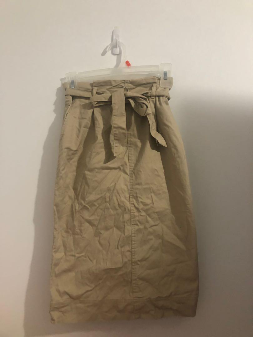 Uniqlo paper bag midi skirt size xs