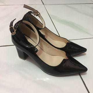 Black angkle Strap Shoes