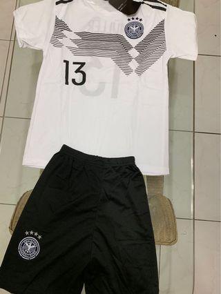 🚚 全新現貨-陽光小男孩足球風運動套裝